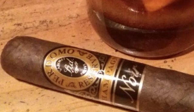 Champagne Noir Cigar