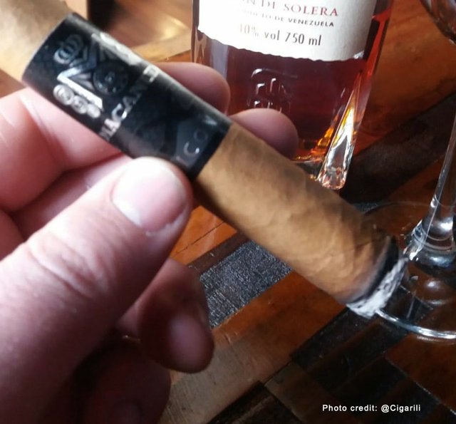 Macundo Robusto cigar