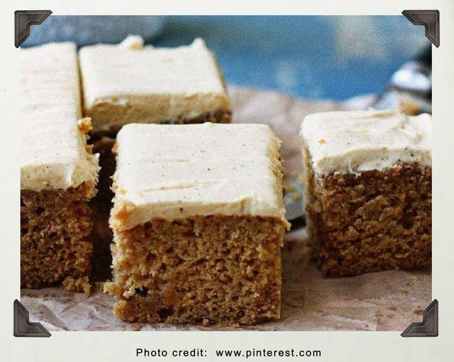 Spiced Rum Applesauce cake