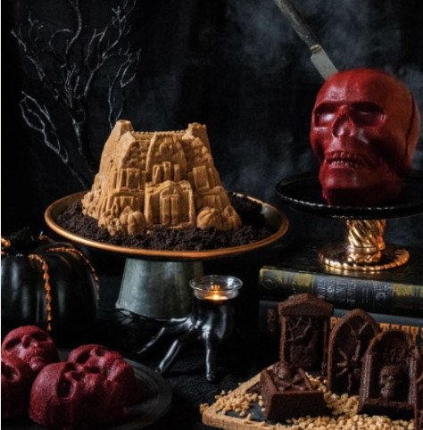 Spiced Rum Haunted House Cake2