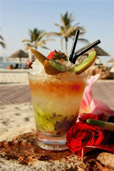 Kiwi and Strawberry Fruit Mojito
