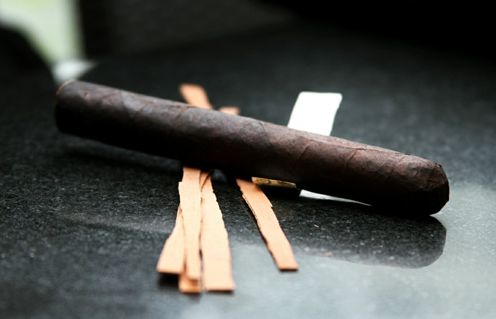 Cigar for October 2014 pairing